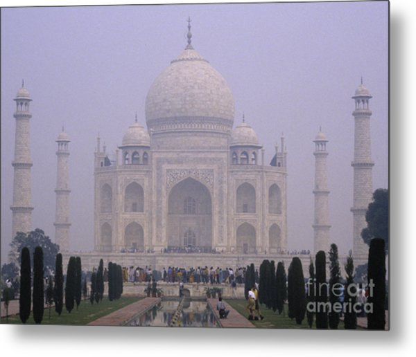The Taj Mahal In Early Morning Mist Metal Print