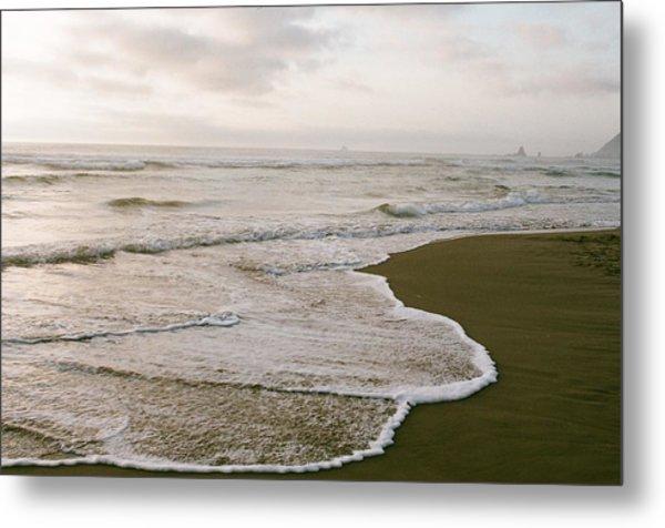 Tide Metal Print by Ariane Moshayedi