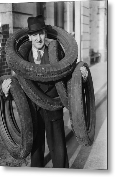 Tyred Out Metal Print by Fox Photos