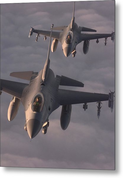 Us Air Force F-16c Fighting Falcons Fly Metal Print