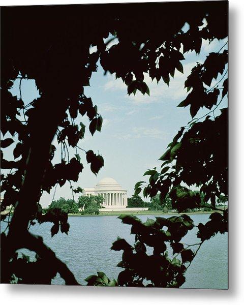 View Of The Jefferson Memorial Metal Print