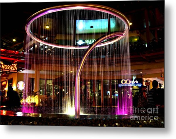 Water Fountain With Circle Seven Shape Metal Print