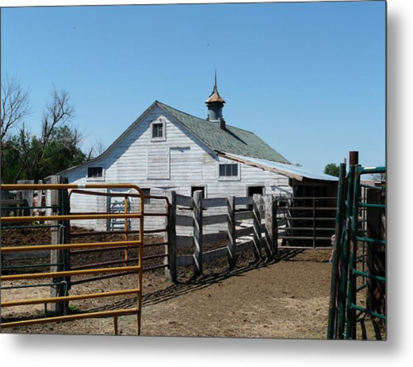 White Barn  And Corrals Metal Print by Bobbylee Farrier
