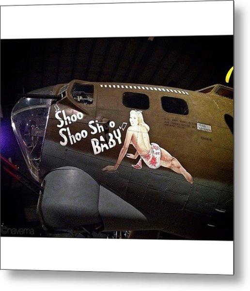 Ww2 Boeing B-17g Flying Fortress shoo Metal Print