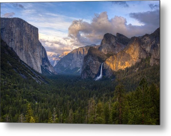Yosemite Sunset Metal Print by Jim Neumann