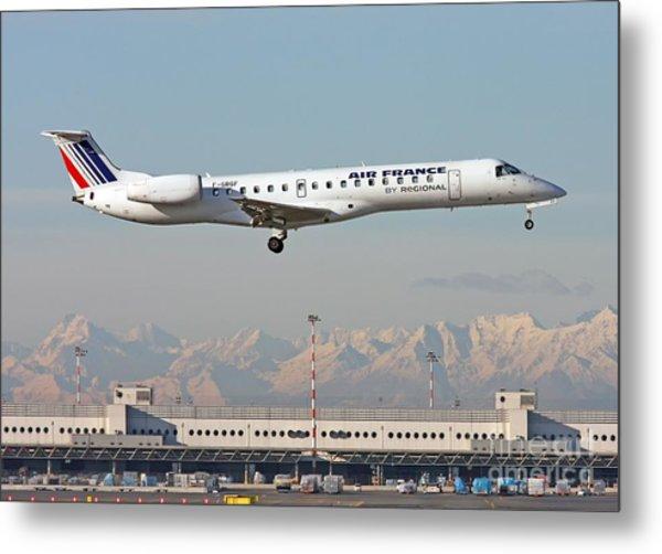 Air France Regional Airlines Embraer Erj-145eu - F-grgf  Metal Print