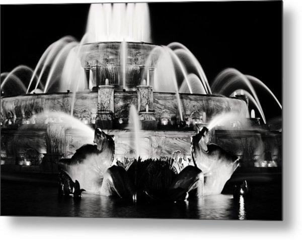 Buckingham Fountain At Night Metal Print