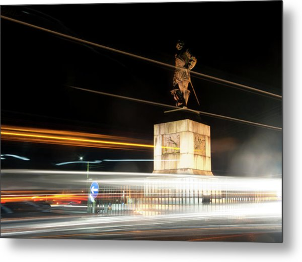 Drake's Statue Traffic Trails Iv Metal Print