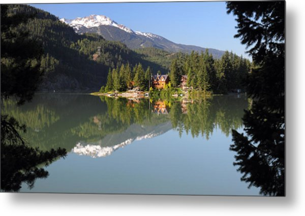 House On Green Lake Whistler B.c Canada Metal Print by Pierre Leclerc Photography