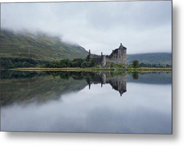 Mist At Kilchurn Metal Print
