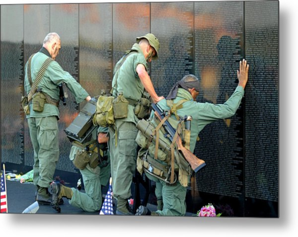 Veterans At Vietnam Wall Metal Print