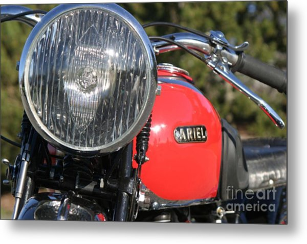 1934 Ariel Motorcycle Tight Front View Metal Print by Robert Torkomian