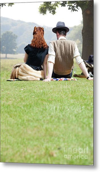 1940s Couple Sitting In The Sunshine Metal Print