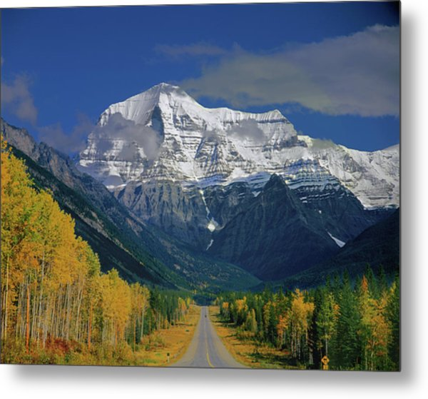 1m2441-h Mt. Robson And Yellowhead Highway H Metal Print