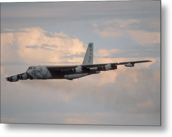 Boeing B-52g Stratofortress 59-2565 93rd Bomb Wing Castle Afb September 17 1992 Metal Print
