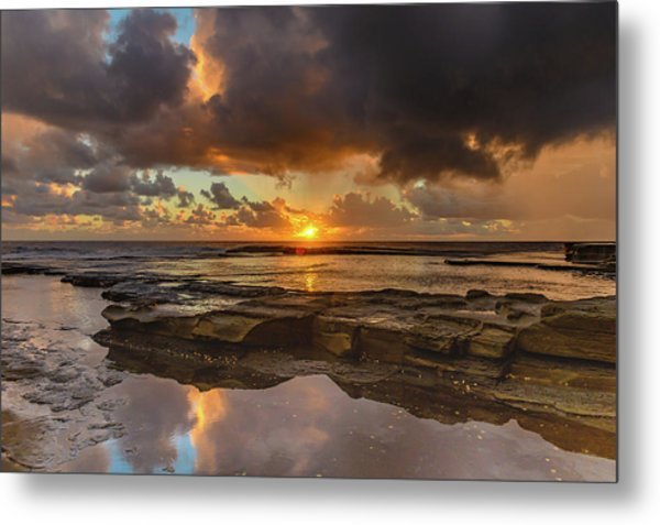 Overcast And Cloudy Sunrise Seascape Metal Print