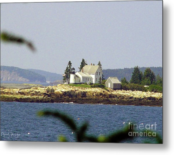 2015 Winter Harbor Light Metal Print