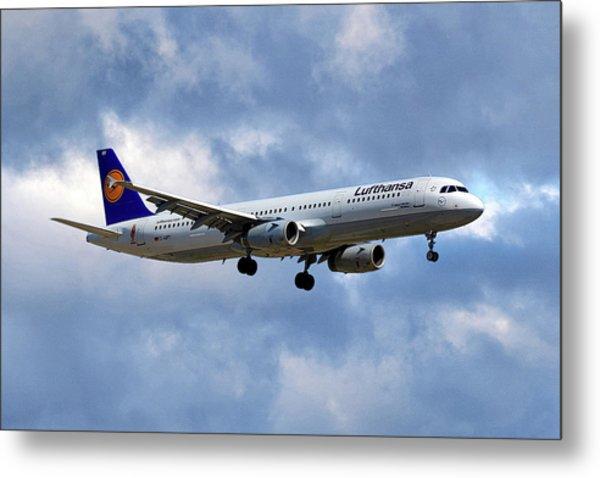 Lufthansa Airbus A321-131 Metal Print