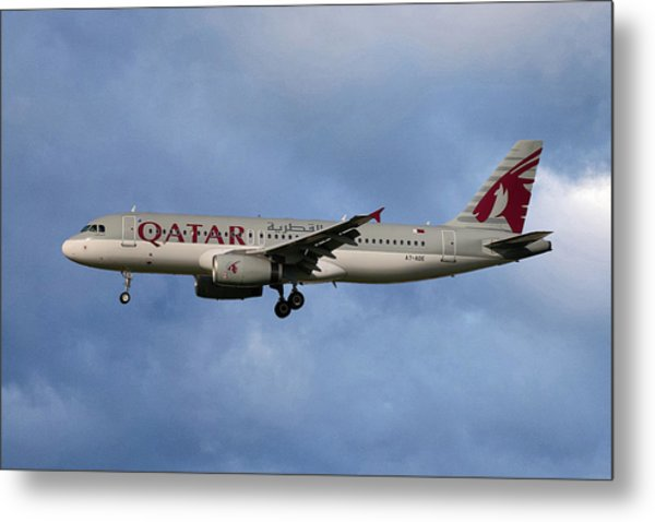 Qatar Airways Airbus A320-232 Metal Print