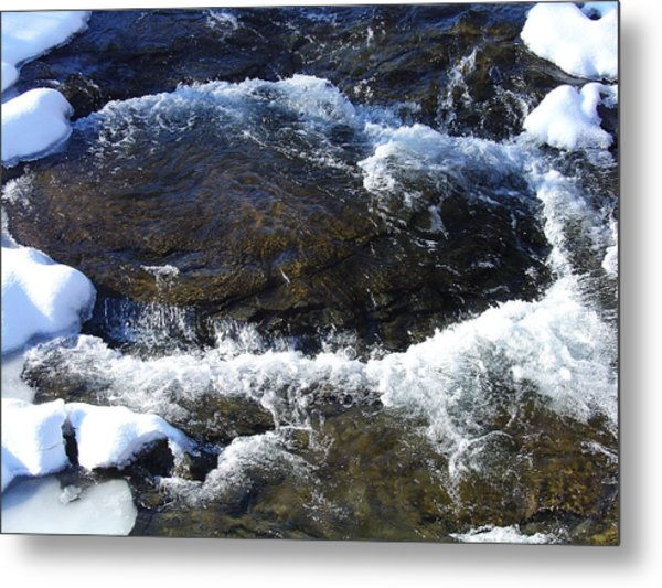 A Chilly Froth Circles A Resting Stone Metal Print by Terrance DePietro