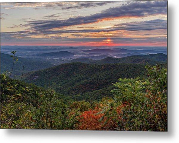 Metal Print featuring the photograph A Colorful Sunrise by Lori Coleman