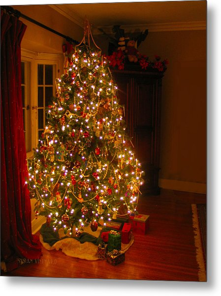 A Jewel Of A Christmas Tree Metal Print