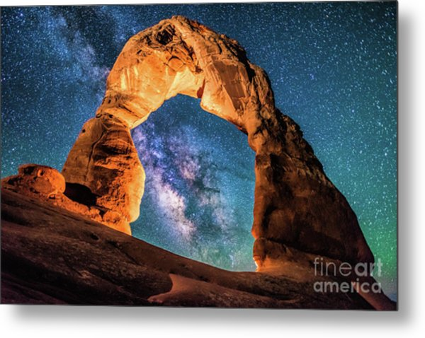 A Portal To The Milky Way At Delicate Arch Metal Print