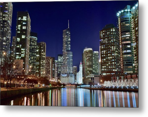 A View Down The Chicago River Metal Print