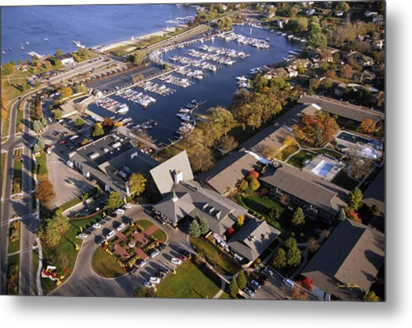Aerial Of The Abbey Resort And Harbor - Fontana Wisconsin Metal Print