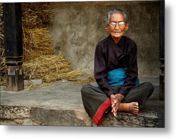 An Old Woman In Bhaktapur Metal Print