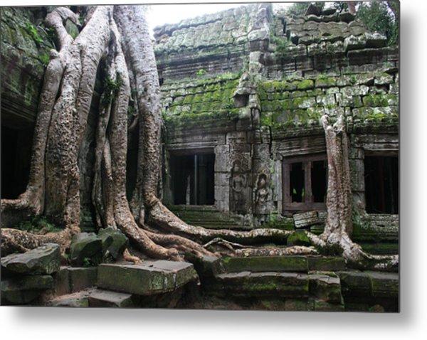 Angkor Wat Metal Print by Linda Russell