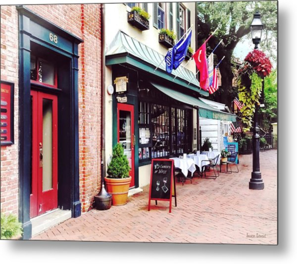 Annapolis Md - Restaurant On State Circle Metal Print by Susan Savad