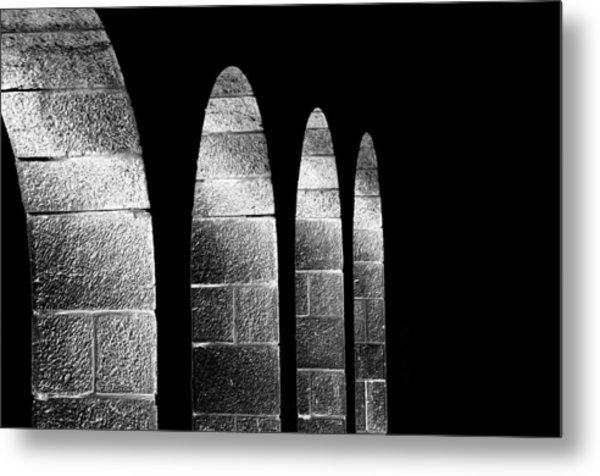 Arches Per Israel - Black And White Metal Print by Deb Cohen