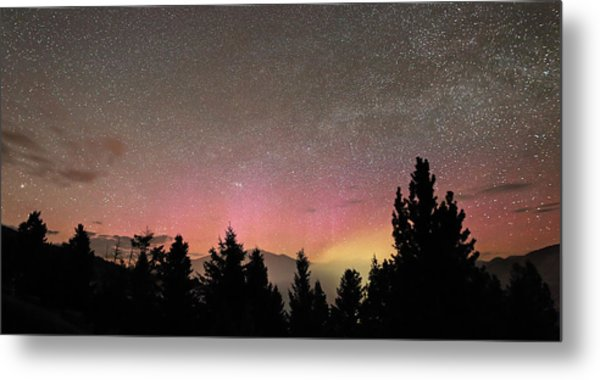 Aurora Borealis Over Mammoth Hot Springs In Yellowstone Np Metal Print by Jean Clark