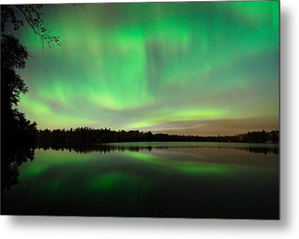 Aurora Over Tofte Lake Metal Print