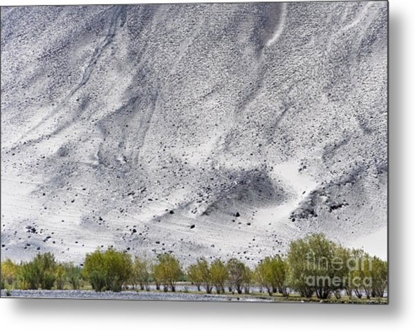 Backdrop Of Sand, Chumathang, 2006 Metal Print