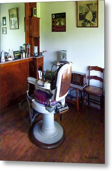 Barber - Old-fashioned Barber Chair Metal Print