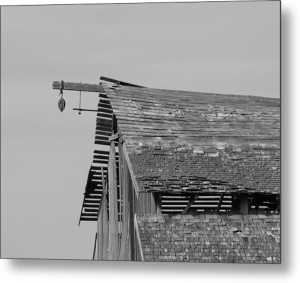 Barn Tracy Ca Metal Print by Troy Montemayor