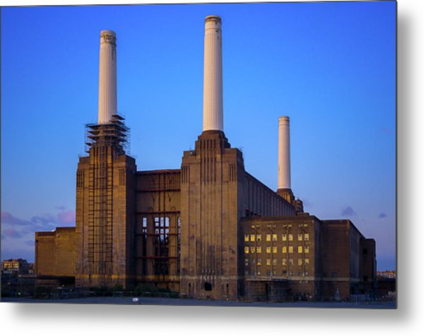 Metal Print featuring the photograph Battersea Power Station by Stewart Marsden