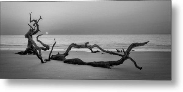 Beach Art Cropped In Black An White Metal Print