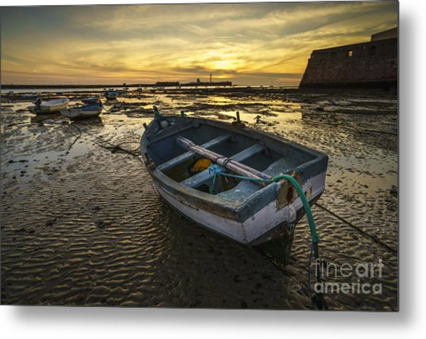 Beached Boat On La Caleta Cadiz Spain Metal Print