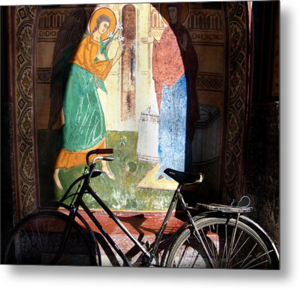 Bicycle And Mural Metal Print by Todd Fox
