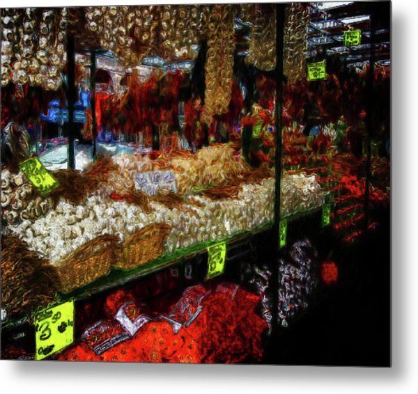 Biward Market Garlic Metal Print