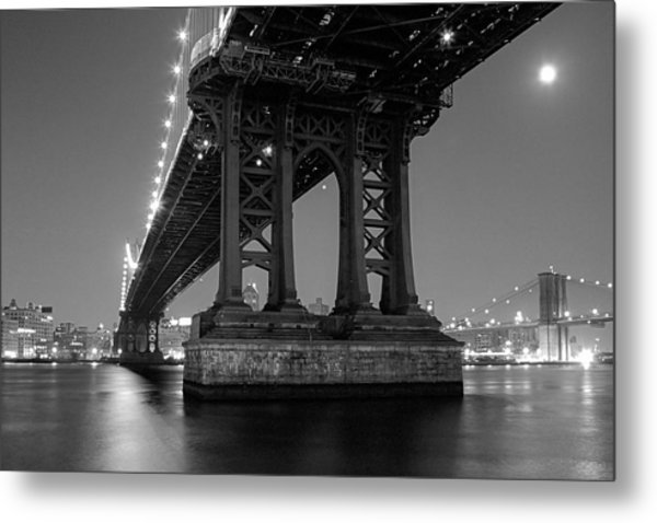 Metal Print featuring the photograph Black And White - Manhattan Bridge At Night by Gary Heller