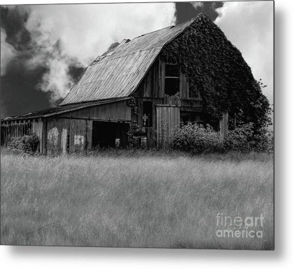Black White Barn Metal Print