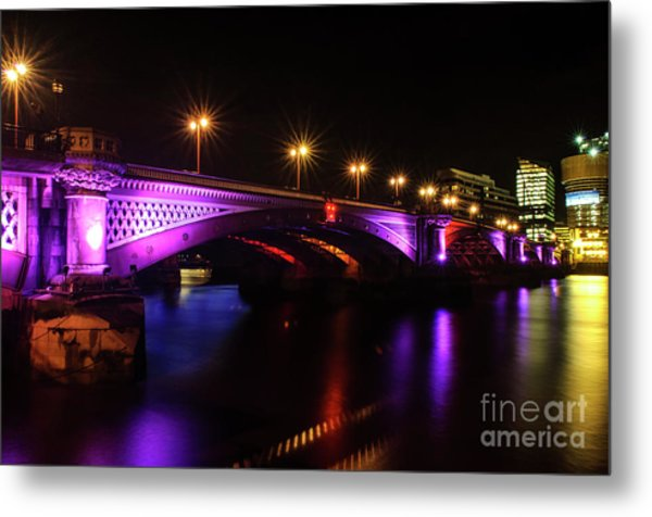 Blackfriars Bridge Illuminated In Purple Metal Print