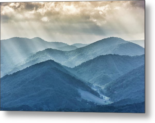 Blue Ridge Sunset Rays Metal Print