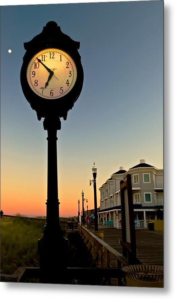 Boardwalk Clock With Rising Moon. Bethany Beach. Metal Print