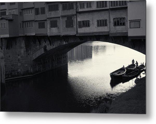 Boatmen And Ponte Vecchio, Florence, Italy Metal Print