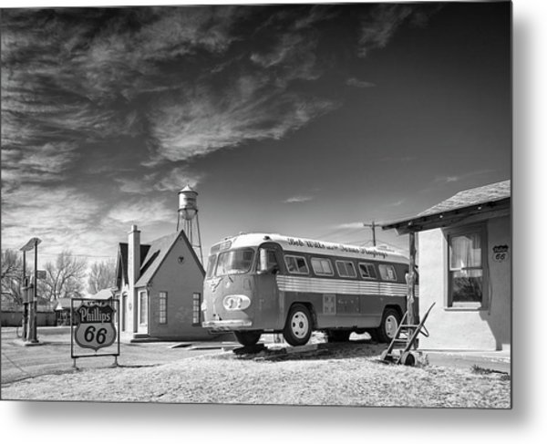 Metal Print featuring the photograph Bob Wills And The Texas Playboys Tour Bus Turkey Tx by Mary Lee Dereske